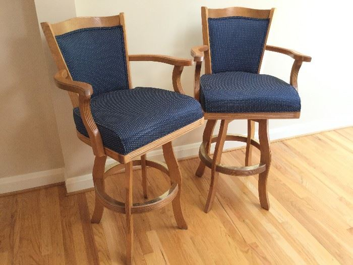 Pair of Counter-Height Swivel Chairs http://www.ctonlineauctions.com/detail.asp?id=736267
