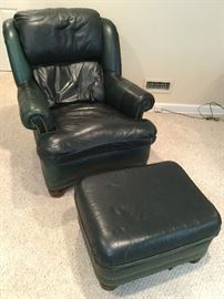 Green Chair & Ottoman         http://www.ctonlineauctions.com/detail.asp?id=736225