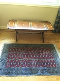 Drop-Leaf Coffee Table & Rug         http://www.ctonlineauctions.com/detail.asp?id=736287