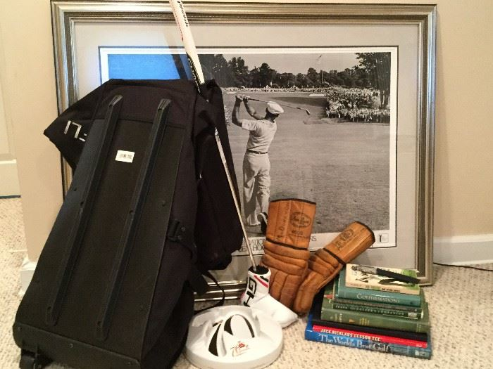 Golf Collection: Books, Art, Equipment              http://www.ctonlineauctions.com/detail.asp?id=736301