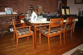 Hickory Furniture Co. Table & 6 Chairs