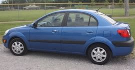 2006 Kia Rio, Available NOW!  One owner, clean, well maintained, automatic, pw,pl,cd, 188k miles $2300