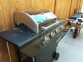 Newer Grillmaster barbeque