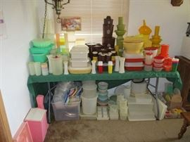TUPPERWARE COLLECTION