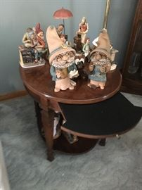 1 of 2 end tables & collectibles