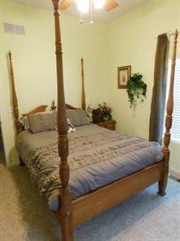 Oak Queen Four Poster Bed