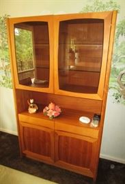 Matching vintage china cabinet (excellent condition)