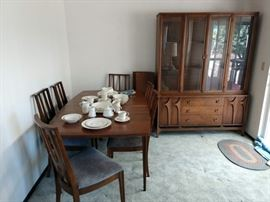 Dining Room: Brasilia by Broyhill Dining Table w/6 Chairs