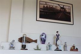 Lladros, Armani Retired Dolls, Nouveau Figures, Vintage Electric Memorabilia