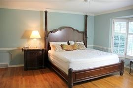 Broyhill King Bed and Night Stand - VERY NICE!