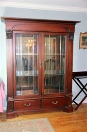 Thomasville China Cabinet - Exceptional Quality!