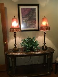 Gorgeous Home Décor! Entry Table Has Matching End Tables and Large Coffee Table!