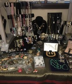 Gorgeous Jewelry!! Huge Amount