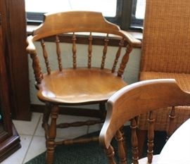 Early American set of 6 chairs