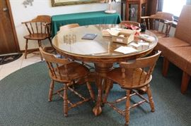 Oak round table with extension leaf plus 6 chairs