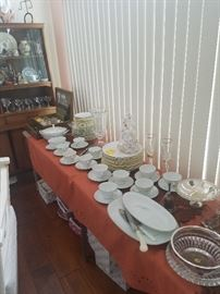 NORITAKE CHINA SET