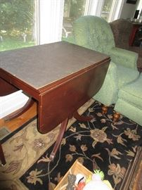 MAHOGANY DROP LEAF TABLE HAVE 4 CHAIRS
