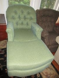 GREEN CHAIR WITH OTTERMAN