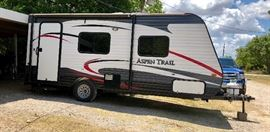 """2015 Dutchmen Aspen Trail 21'5""""  Camper. In great condition, only used twice."""