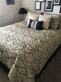 Nice Queen Bed Like New Pillowtop