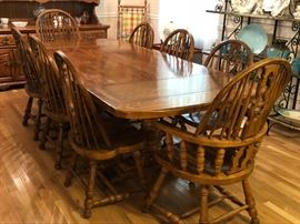 8 1/2' Solid Wood Dining Table With 8 Chairs