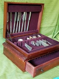 Silverplated Flatware & Chest         http://www.ctonlineauctions.com/detail.asp?id=737231