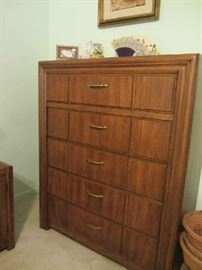 Thomasville Chest of Drawers