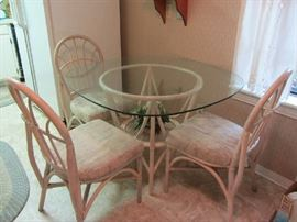 Rattan Table w/4 Chairs