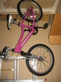 Diamond back girls bicycle