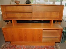 MID-CENTURY BUFFET AND HUTCH