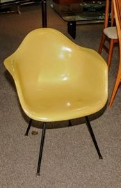 EARLY EAMES SHELL CHAIR WITH LARGE SHOCK MOUNTS AND X-BASE WITH SLIP ON GLIDES