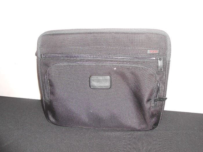 tumi laptop cover