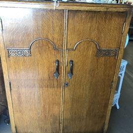 antique small wardrobe/cab