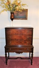 GORGEOUS ROCKFORD CHEST - EXCELLENT CONDITION!