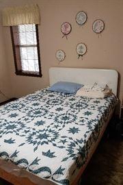 double bed, headboard/footboard