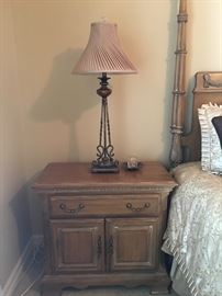 LEXINGTON BEDROOM FURNITURE:  4 POST QUEEN BED, 2 NIGHT STANDS, DRESSER AND ARMIOR