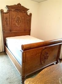 Absolutely gorgeous antique full bed