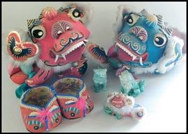 bab Chinese Dragon Bobbleheads plus Shoes and Pair of Imperial Guardian Foo Lions