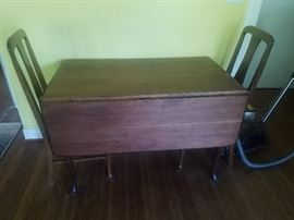 Drop leaf table with Queen Anne chairs