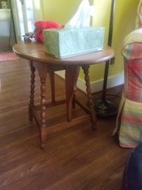 butterfly leaf side table