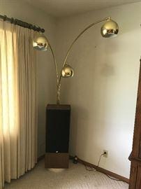 Modern 3-tier brass lamp