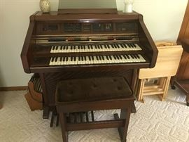 Lowrey organ with bench
