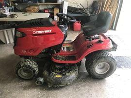 Troy Bilt Tractor like-new