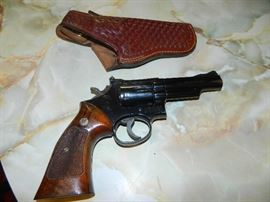 Smith & Wesson Model 19-3  357 mag. with holster