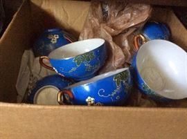MANY VINTAGE GEISHA LITHOPANE CUPS AND SAUCERS