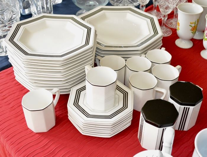 Tables of Ceramics - Porcelain and Crystal