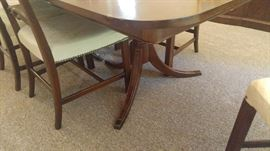 Gorgeous antique Duncan Phyfe table and chairs in top-notch condition