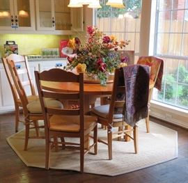 """Drexel """"American Themes"""" table & chairs - lazy Susan on table"""