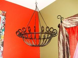 WrOuGhT irOn PLAnT hAnGeR