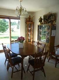 6 chairs / dining table /hutch /curio